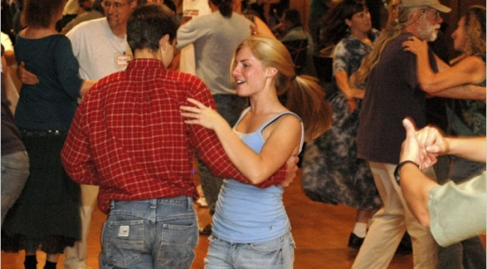 Country Two Step Dance Lessons Amp Classes 2 Step With